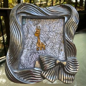 Pewter bow picture frame, made in Mexico